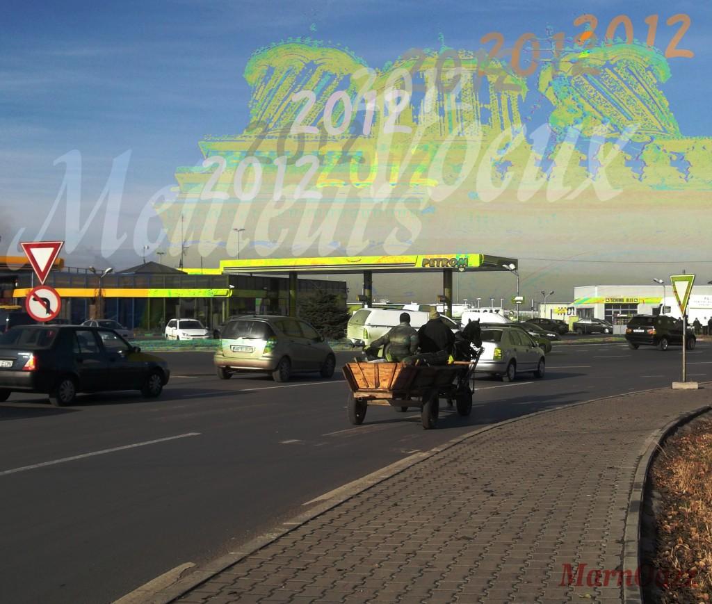 Voeux 2012 charrette à cheval des Roms dans la circulation autommobile